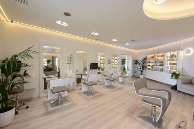 beautyworld-despina-gavala-mykonos-haircut